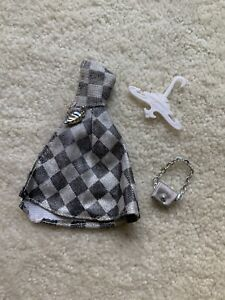 RARE TOPPER DAWN DOLL RAIN CHECK #8219 CAPE, PURSE AND HANGER