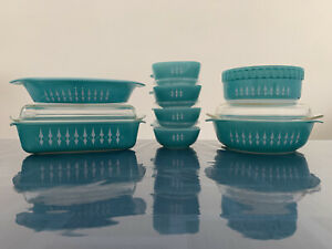Extremely Rare Agee Pyrex 'Turquoise w/ White Spears' (1966-68) Picket Fence Set