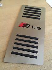 POGGIAPIEDE SATINATO *AUDI A3-A3 S-LINE* (2° serie) ACCIAIO INOX CON SC. N/R v.1
