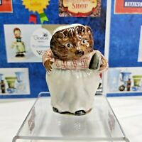 Beswick Beatrix Potter Mrs. Tiggy-Winkle BP 2a Gold Oval Figurine Vtg England