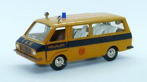 RAF 2203 minibus police/milice 1/43 Saratov URSS *New in box*