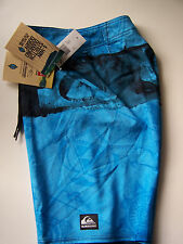 """QUIKSILVER KELLY SLATER """"NOMAD"""" BOARD SHORTS  SIZE  28"""