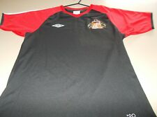 SUNDERLAND - OFFICIAL UMBRO TRAINING TOP - MEDIUM -SEE DESC FOR SIZING