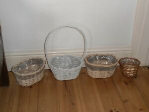 4 x lined wicker baskets - great for creating Christmas floral arrangements