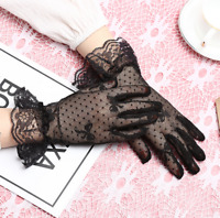 Paire gants courts 26cm résille plumetis pois noeuds et dentelle noire rétro