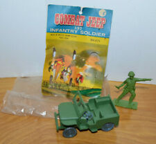 VINTAGE GREEN PLASTIC ARMY MAN & JEEP TOY SOLDIER DIME STORE RACK TOY