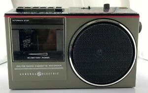 Vintage General Electric GE Model 3-5233A  AM/FM Stereo Radio/Cassette Recorder