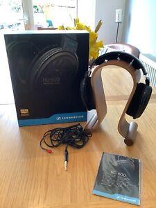 Sennheiser HD600 Open Back Audiophile Headphones. Ex. Condition.