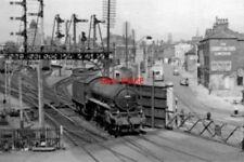 PHOTO  LINCOLN PELHAM ST CROSSING LINCS 1956 GNR AND GN&GER MAJOR JUNCTION LINCO