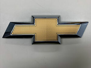 2017-2019 Chevrolet Sonic tailgate trunk lid emblem OEM New 94542299