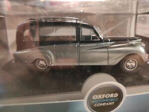 Daimler Black/Silver Austin Princess Hearse 1:43 (069)