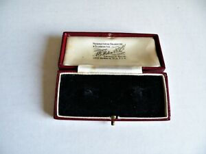 A QUALITY VINTAGE ANTIQUE RED LEATHER  CUFF LINK BOX