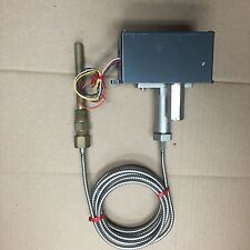 United Electric Controls Pressure Switch Type M27B Model 6877-2 With Probe