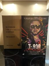 Hot Toys MMS238 The Terminator T-800 Battle Damaged Version 1/6 Scale Figure