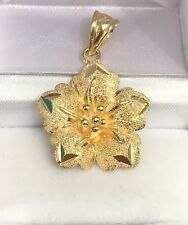18k Solid Yellow Gold Flower Charm/ Pendant. Diamond Cut. 5.05 Grams