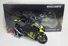 Minichamps Valentino Rossi Set Yamaha M1 Test Sepang 2007 Omino