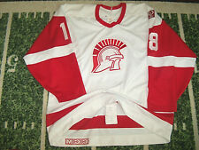 VTG CCM Maska Game Used Worn College Hockey Jersey Detroit Red Wings Style 52