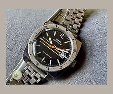 Mens working vintage divers type AUTOMATIC DATE watch TIMEX 1977 m32 SERVICED