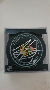 Jonathan Toews Signed Autographed Chicago Blackhawks Official Game Puck *Proof*