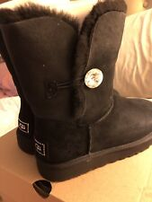 UGG Classic Bailey Button Bling Black Suede Fur Boots Size 9❤️❤️❤️❤️