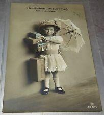 6375:Kind mit Schirm,1913, Glückwunsch -  Karte, Postkarte, Carte Postale.