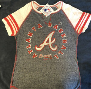 Atlanta Braves Majestic Baseball Cut V-Neck T-Shirt Small Women's