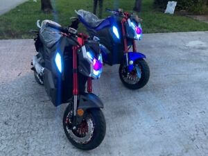 Electric Motorcycle With Alarm and Lights. Speed up to 50mph