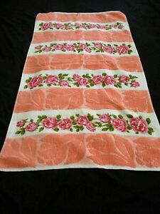 VINTAGE COLLECTABLE FLORAL PATTERNED TOWELING HAND TOWEL 40s-50s