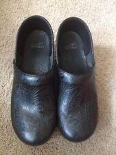 Dansko Womens Professional Tooled Leather Slip On Clogs EU Size 40 US 9.5 -10