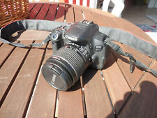 Canon EOS 700D 18.0 MP SLR-Digitalkamera - Kit mit Objektiv EF-S 18-55 IS II