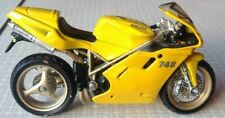 Maisto Diecast Toy Motorcycle - Ducati 748 - Motorbike - Scale 1:18