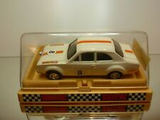 SCALEXTRIC SLOT CAR 09/0052 FORD ESCORT #8 - OFF WHITE L13.0cm - GOOD IN BOX