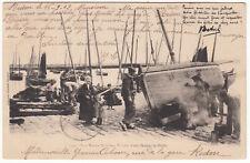 CARTE POSTALE NOS MARIN BRETON TOILETTE D UNE BARQUE DE PECHE 1902