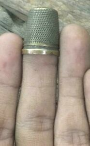 VINTAGE SEWING THIMBLE RETRO HAND WORKING FINGER PROTECTOR NEEDLEWORK BRASS TOOL