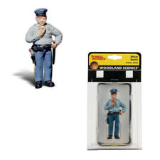 Woodland Scenics Accents A2532 Figures Officer Duncan w/ Doughnut G Scale