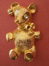 C705) VINTAGE GOLD TONE METAL TEDDY BEAR ANIMAL BROOCH PIN SIZE 4CM BY 2.75CM