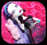 ❤️Monster High Spectra Vondergeist Ghoul Spirit Sports Doll & Outfit Shoes❤️