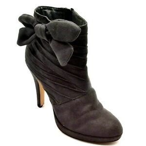 Anne Michelle Womans High Heel Ankle Boot Gray Suede Size 8.5 Side Zipper Bow