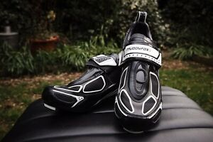 MUDDY FOX CYCLING SHOES SIZE 9