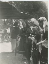 Bulgaria, Sadovo, femmes en costume nationale Vintage  Tirage argentique