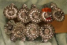 Tq-031 Nine Vintage Christmas Tree Candle Holders, Pine Cone theme Clips