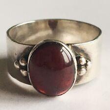 Vintage Solid Silver Cabochon Polished Garnet Set Ring Hallmarked 925 Stunning