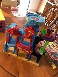 Imaginext Daily Planet PlaySet Superman 2015 Mattel  DC Universe
