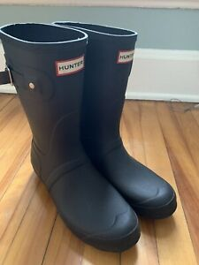 Women's Original Hunter Short Boots Size 9 Gently Used Dark Blue