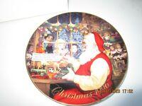"""Avon 1996 Christmas Plate """"Santa's Loving Touch"""" Porcelain trimmed in 22k gold"""