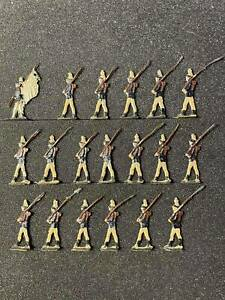 Flat tin soldiers, 19 figures, Set of infantry on parade.