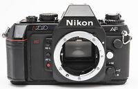 Nikon N2020 body Gehäuse analoge Spiegelreflexkamera Kamera