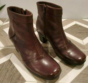 Clarks Brown Leather Zip Block Heel Ankle Boots Women's Size 7 Bootie Shoe 80492