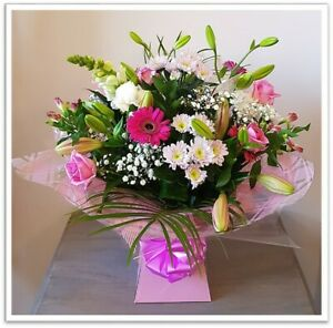 FRESH REAL FLOWERS  Delivered Raspberry Ripple Bouquet includes Free Delivery