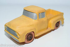 TOMTE LAERDAL VINYL 751 FORD PICK UP PICKUP PICK-UP YELLOW EXCELLENT CONDITION